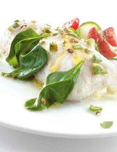 Recette de dos de merlu blanc Pescanova en papillote et jeunes pousses d'épinards