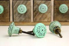 Runde grüne verzweifelt Schrank Knopf 1 eine von ProsserBrosVtg