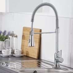This professional kitchen tap will make a fantastic addition to any modern kitchen. Featuring a contemporary, yet practical design this kitchen tap has a pull-down sprayer to make rinsing crockery and cutlery much easier. Kitchen Sink Taps, Kitchen Pulls, Kitchen And Bath, Kitchen Shop, Contemporary Kitchen Interior, Interior Design Kitchen, Copper Interior, Contemporary Bedroom, Bathroom Shop