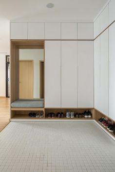 Wardrobe Door Designs, Wardrobe Design Bedroom, Wardrobe Doors, Closet Bedroom, Attic Bedroom Storage, Hall Wardrobe, Sliding Wardrobe, Modern Wardrobe, Bedroom Small