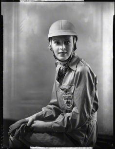 Doreen Evans. Raced for the first time at Brooklands in 1933. Later became MG Works driver and raced at Brooklands and Le Mans in 1935.