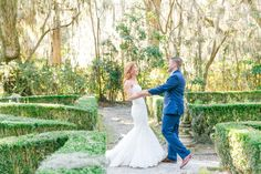 First Look at Magnolia Plantation | Magnolia Plantation Carriage House Wedding by Charleston wedding photographer Dana Cubbage