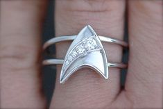 Star Trek engagement ring ... okay ... not what I would want but can see some might ...