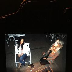 Fire side chat with a great friend #pictureofapicture #sisterlylove #losangeles