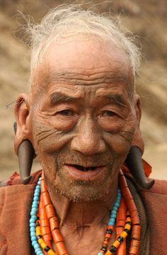 India | Lower Konyak Naga man, Nagaland | ©Walter Callens