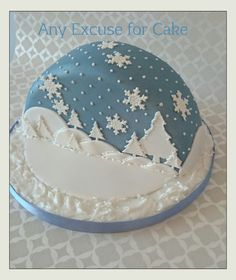 This is the other half to the cake I posted. Another snow globe effect. Christmas Cooking, Christmas Desserts, Christmas Treats, Christmas Cakes, Xmas Cakes, Christmas Cupcakes Decoration, Christmas Cake Designs, Winter Torte, Winter Cakes