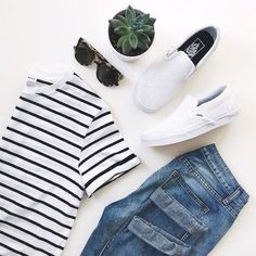 Baggy jeans and a striped top