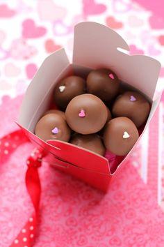 Red Velvet Cheesecake-Stuffed Cake Balls > Willow Bird Baking