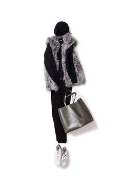 上品なファーをオールブラックと着る 2015-10-27 | sweater price :32,400 brand : THE IRON | jacket price :199,800 brand : REGINA | jeans brand : KORAL