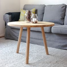 DIY rundt sofabord i heltre eik, nesten ferdig resultat