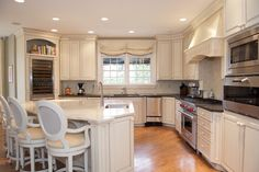 Light kitchen in a Tradional modern home by the Lee W. Robinson Company.