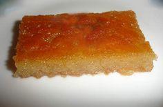 Σάμαλι Πολίτικο  Author: Aggela Παραδοσιακή συνταγή σάμαλι από την Πόλη. Πρέπει να δώσετε προσοχή στις οδηγίες αλλά το αποτέλεσμα θα σας ενθουσιάσει. Καλή επιτυχία.  Ingredients   1/2 κιλό σιμιγδάλι ψιλό  1/2 κιλό σιμιγδάλι χονδρό  640 γρ. γάλα φρέσκο  400 γρ. ζάχαρη  3 κ.σ. κοφτές μπέικιν πάουντερ  1 κ.γ. σόδα  200 γρ. γιαούρτι  λίγο αλάτι  2-3 κόκκους μαστίχας  λίγο βούτυρο και λίγο αλεύρι για το ταψί  Για το σιρόπι  1 κιλό ζάχαρη  5 ποτήρια του νερού νερό  1 λεμό...