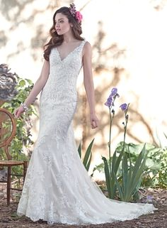 the front of my future wedding dress I'm in love this is the one