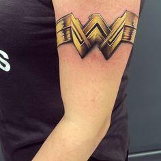 Cuff Tattoo, Armband Tattoo, Body Art Tattoos, Cool Tattoos, Tatoos, Cute Tats, Arm Tattoos For Women, Matching Tattoos, Minimal Tattoo