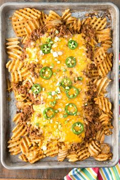 Texas-inspired Chili Cheese Fries for a crowd. Seasoned waffle fries, topped with spicy homemade Texas-inspired chili, loads of cheese! Football food at its best! Chili Cheese Fries, Snack Recipes, Cooking Recipes, Cheese Recipes, Delicious Recipes, Easy Recipes, Tasty, Homemade Chili, Best Comfort Food