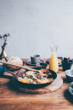 a health minded shakshuka (skillet eggs w/ veg) for a slow sunday breakfast