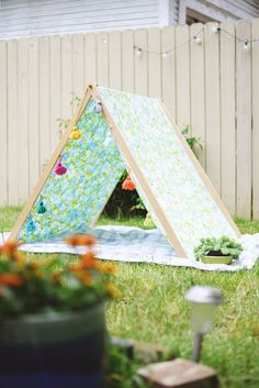 DIY A frame tent for backyard summer fun for the kids!