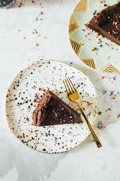 chocolate brownie cake | hummingbird high || a desserts and baking blog