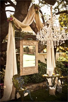 Gorgeous with the mirror! would be great for an outside party for a dreamy little girl!