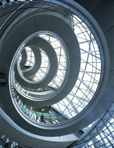 - Famous Architects - Norman Foster - City Hall, London