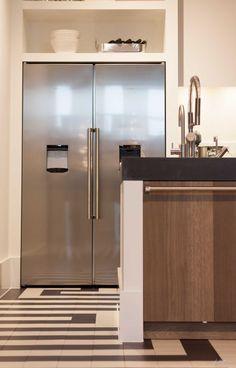 Kootwijk - Lodder Keukens Boiler Cover Ideas, Boho Kitchen, Kitchen Decor, Kitchen Cupboards, Kitchen Appliances, Küchen Design, House Design, Cabinets To Ceiling, French Door Refrigerator