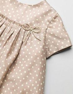 Polka dot print dress for baby girl. Kids Frocks, Frocks For Girls, Little Dresses, Little Girl Dresses, Baby Dress Design, Baby Girl Dress Patterns, Baby Girl Fashion, Kids Fashion, Kids Dress Wear