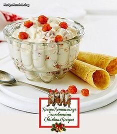 A classic Christmas dessert found on tine.no Lovely and easily prepared dessert for Christmas or New Year's Eve. Should cloudberries be hard to come by where you live, raspberries or blackber… Norwegian Cuisine, Norwegian Food, Swedish Cuisine, Swedish Recipes, Norwegian Recipes, Swedish Dishes, Delicious Desserts, Dessert Recipes, Pastry Recipes