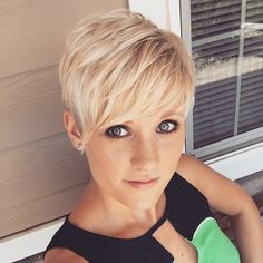Chic-layered-pixie-haircut-for-girls Chic Short Haircuts: Popular Short Hairstyles for 2019 Longer Pixie Haircut, Short Pixie Haircuts, Pixie Hairstyles, Hairstyle Men, Blonde Hairstyles, Hairstyles 2016, Hairstyle Ideas, Wedge Hairstyles, Haircut Short