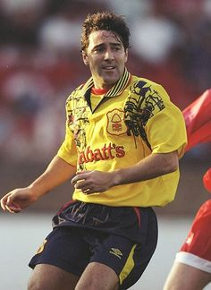 kits: Dean Saunders of Nottingham Forest Best Football Players, Football Kits, Football Jerseys, Soccer Skills, Soccer Tips, Nottingham Forest Fc, Running Drills, British Football, Team Wear