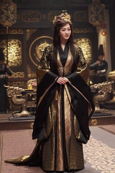 Traditional Fashion, Traditional Outfits, Dragon Costume, Chinese Movies, Retro Costume, Chinese Clothing, Movie Costumes, Work Looks, Historical Costume