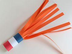 Knutselen koningsdag - Een megafoon blazer & nog 11 toffe andere knutselideeën. Going Dutch, Crafts For Kids, 27 April, Holland, Stage, Workshop, Challenges, Gym, Holiday