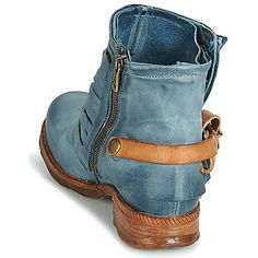 Boots Boho, Ugg Boots, Bootie Boots, Ankle Boots, Sheepskin Boots, Winter Shoes, Cow Leather, Chunky Heels, Vintage Ladies
