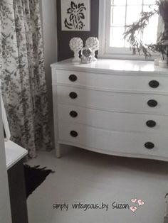 simply vintageous...by Suzan: 70 square feet - A guest room !