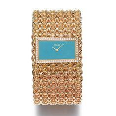 La montre Couture Précieuse de Piaget http://www.vogue.fr/joaillerie/le-bijou-du-jour/diaporama/la-montre-couture-precieuse-de-piaget-or-rose-maille-turquoise/12544