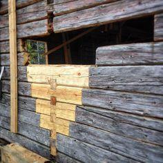 Guide: Så eldar du i vedspisen Log Homes Exterior, Timber Structure, Red Cottage, Shed Homes, Cabins And Cottages, Building A Shed, Old Houses, Restoration, Woodworking