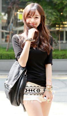 Life and Beauty: Hot Girls Japan Asian Cute, Cute Asian Girls, Cute Girls, Cool Girl, Japanese Fashion, Japanese Girl, Asian Fashion, Girl Fashion, Beautiful Asian Women