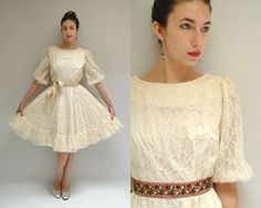 Lace Wedding Dress  //  THE SWING //   door VintageUrbanRenewal, $85.00