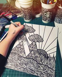 Sharpie art, sharpie drawings y art drawings. Mandalas Drawing, Zentangle Drawings, Art Drawings Sketches, Zentangle Patterns, Zentangles, Flower Drawings, Doodle Patterns, Sharpie Drawings, Sharpie Art