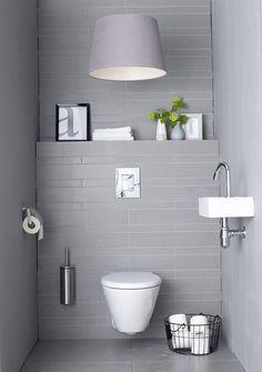Ablage über WC