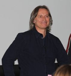 """Jennifer 💜 on Twitter: """"These are the smiles I need #RobertCarlyle #dearies… """" Danny Phantom Vlad, Scottish Man, Emilie De Ravin, Rumpelstiltskin, Robert Carlyle, Rise Of The Guardians, Ouat, Sexy Men, Bobby Pins"""