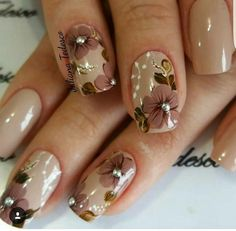 ou can do it during the treatment of manicure and pedicure by trimming the nails or by giving exact shape to them. Nail art designs always comes in thousands of styles, ideas and variations. The nail art designs is not only for young girls or college stud Fancy Nails, Cute Nails, Pretty Nails, My Nails, Oval Nails, Shellac Nails, Best Nail Art Designs, Fall Nail Designs, Beautiful Nail Art