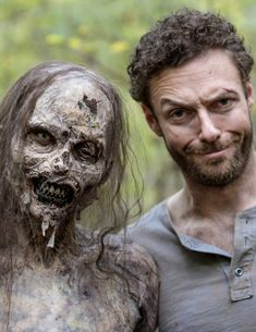 Ross Marquand behind the scenes of The Walking Dead Season 8 Episode 15 | Worth