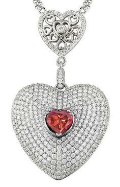 The Lady Mandara Diamond mounted as the centerpiece of a pendant