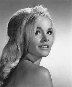 Have you ever heard of Tuesday Weld? She was one of the most gorgeous actresses of the '60s. | 19 Dreamy Photos Of Forgotten Style Icon TuesdayWeld