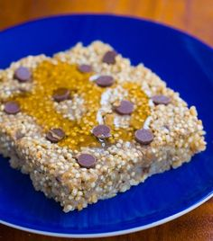 This delicious Banana Bread Baked Quinoa is a hearty & wholesome breakfast that will nourish your body and fill you up for hours!