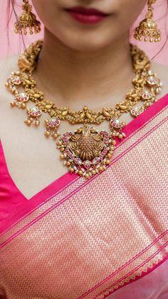 Gold Wedding Jewelry, Gold Jewelry Simple, Silver Jewelry, Gold Jewellery, India Jewelry, Temple Jewellery, Stylish Jewelry, Gold Bangles, Antique Jewelry
