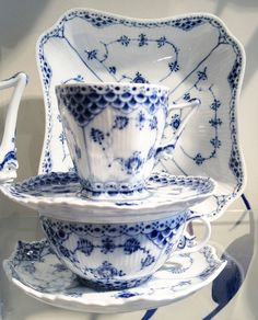 Entertaining: New York City Style. The Royal Copenhagen Blue Lace Pattern. Blue and white.