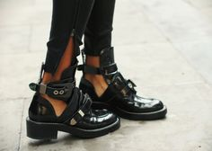 <3 Read more: http://www.misslittletouch.com/2013/11/08/balenciaga-boots/  #balenciaga #cutoutboots #ceinture #shoes
