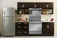 The kitchen - more than just food Modular Kitchen Furniture Modern Kitchen Cabinets, Kitchen Furniture, New Kitchen, Furniture Decor, Kitchen Decor, Grand Kitchen, Small American Kitchens, Beige Living Rooms, Sweet Home