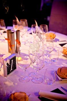 Montaje de mesa de invitados en Posada Casa del Abad de Ampudia hotel spa #hotelesconencanto #hotelesenpalencia #bucolichoteles